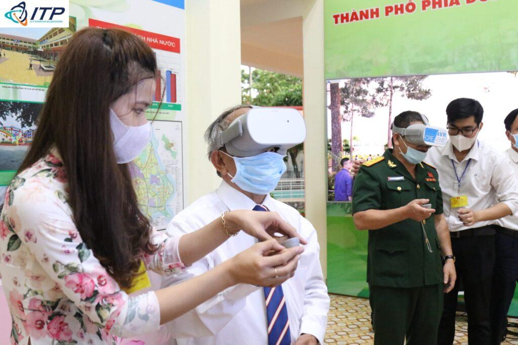 trinh-dien-cong-nghe-thuc-te-ao-2